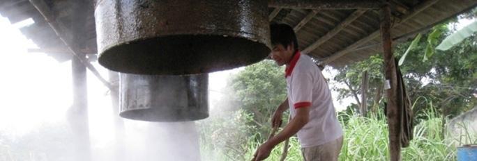 Ngọt thơm mật mía truyền thống ở xã Hương Bình